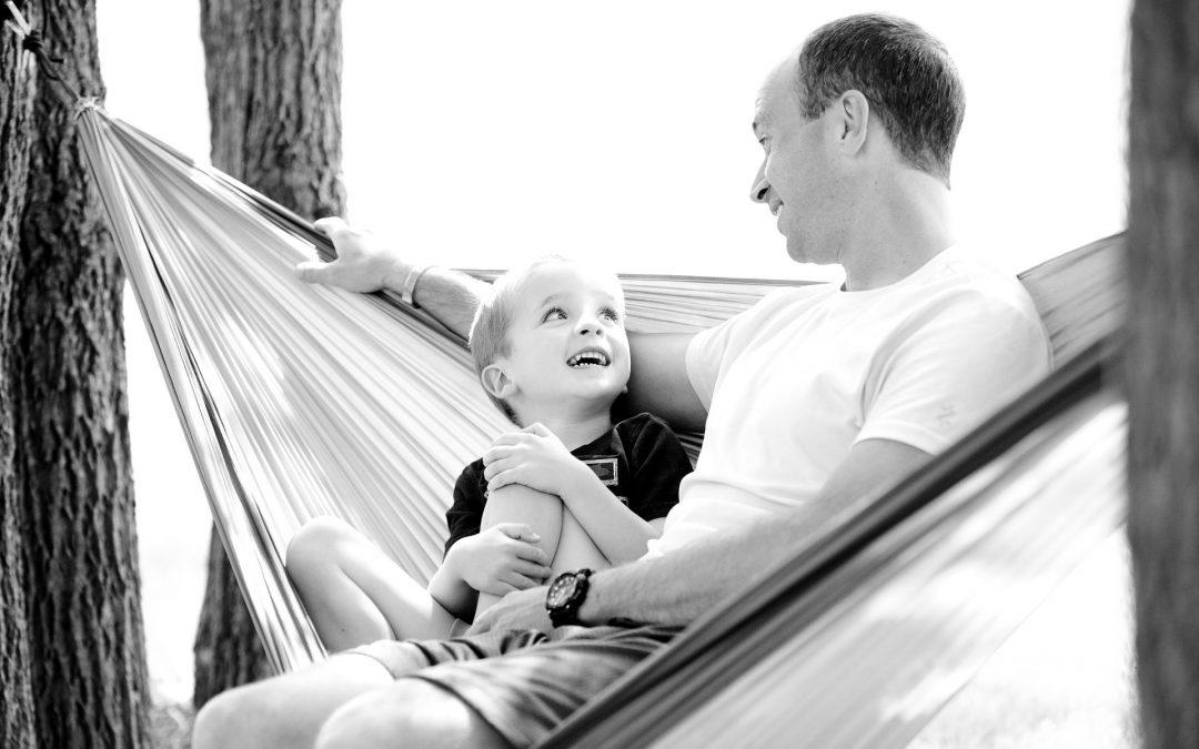 """Moje dziecko nie umie bawić się samo"""" -o roli zabawy w rozwoju dzieci"""